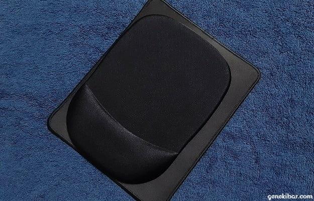 サンワサプライ製リストレスト付きマウスパッドの大きさ