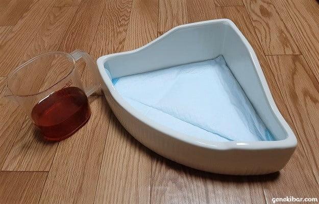 うさぎの三角形トイレにペットシーツを敷いて実験