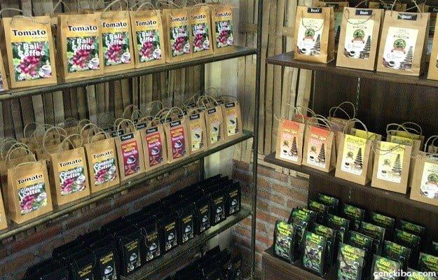 コピルアクコーヒーのお土産売り場