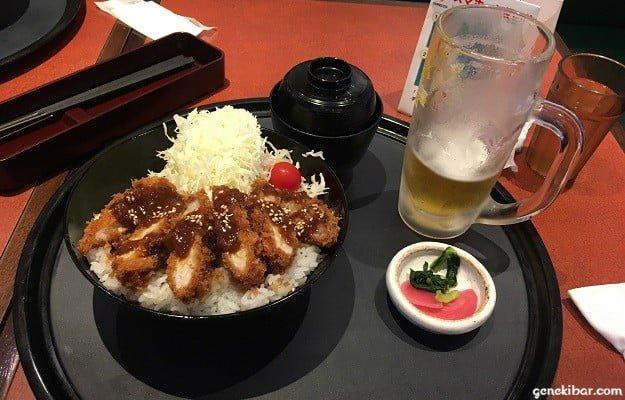 成田空港のカツ丼