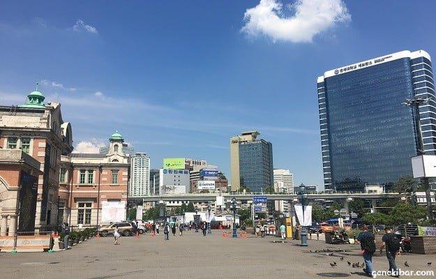 ソウル駅前の広場