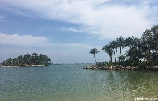 パラワンビーチと孤島