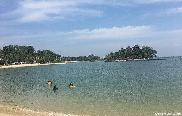 パラワンビーチとパラワンアイランド(孤島)