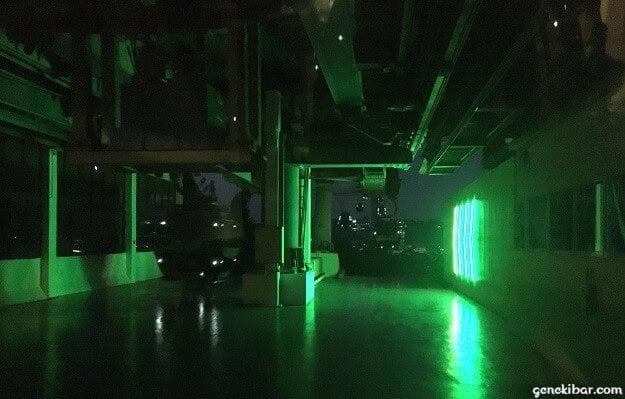 夜のケーブルカー、セントーサ駅