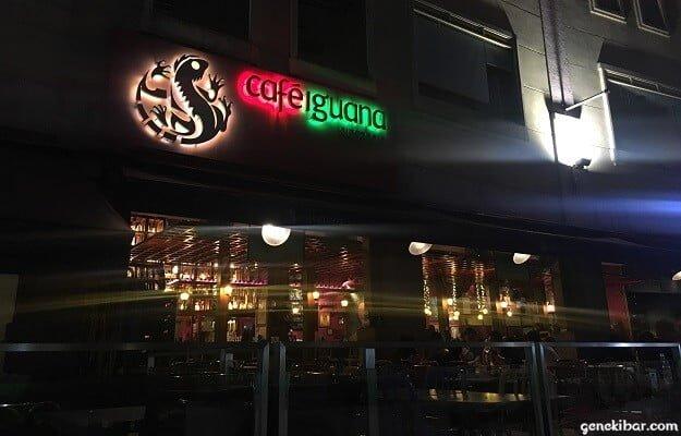 クラークキーのカフェ、イグアナ