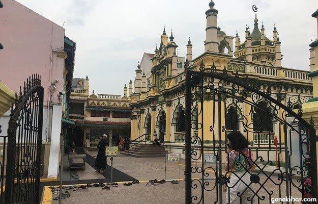アブドゥルガフールモスクの入り口