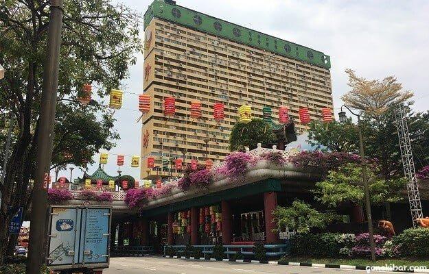 中国らしいチャイナタウンの街並み