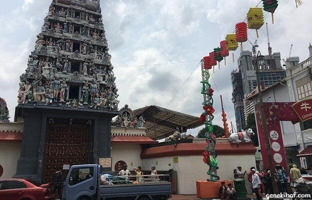 スリ・マリアマン寺院と牛車水