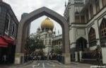 サルタンモスクの金色のタマネギ