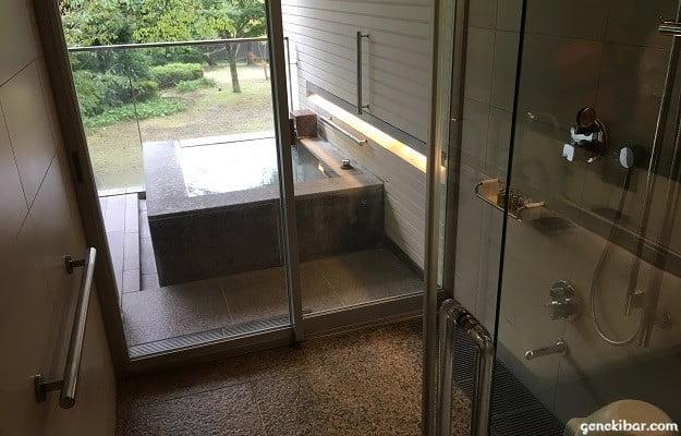 箱根ハイランドホテル、森のレジデンスに設置された手すり