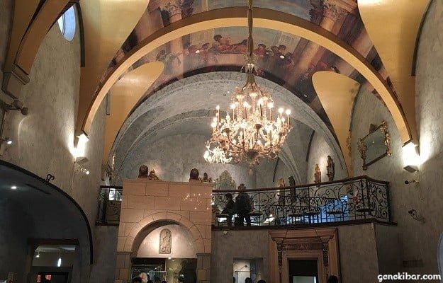 箱根ガラスの森美術館のヴェネチアングラス美術館