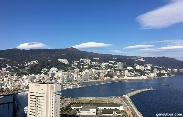展望台から見た熱海市街