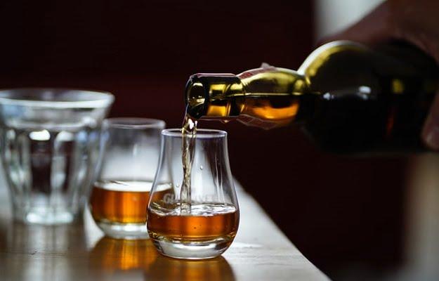 ウイスキーのストレート